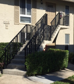 221Palm2-frontstairs